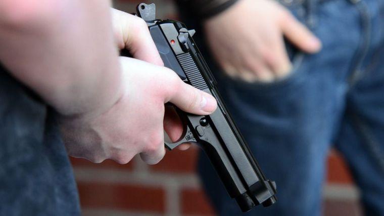 Un joven de 17 años se entrega a la policía por asesinato