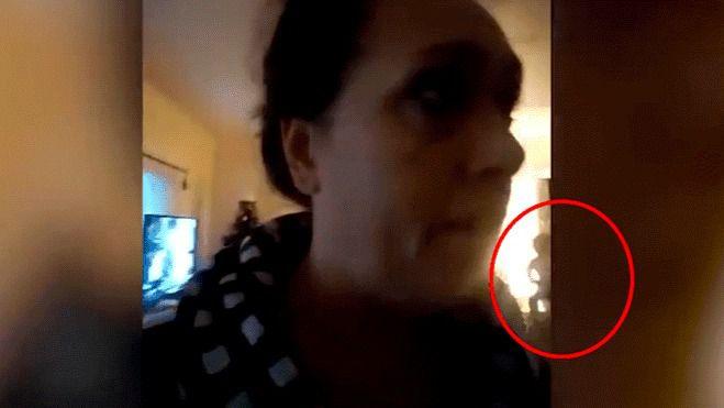 Hacía una videollamada a una amiga cuando… [VIDEO]