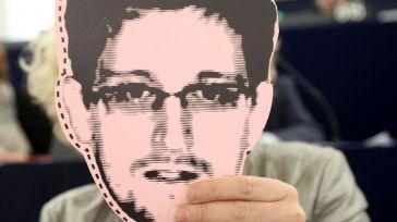 Edward Snowden advierte que WhatsApp y Telegram son 'programas de vigilancia'