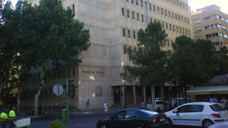 14 años de cárcel por abusar sexualmente de su hija durante tres años