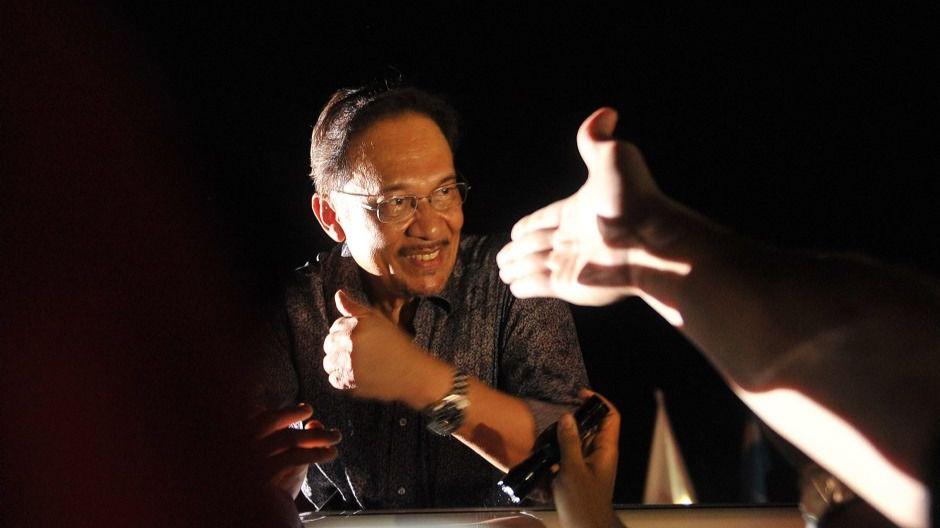Sodomía, corrupción, abusos... Al próximo primer ministro de Malasia le persiguen los escándalos sexuales