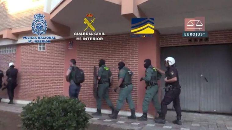 Captadas en Rumanía mediante el método lover boy para ser explotadas sexualmente en Europa
