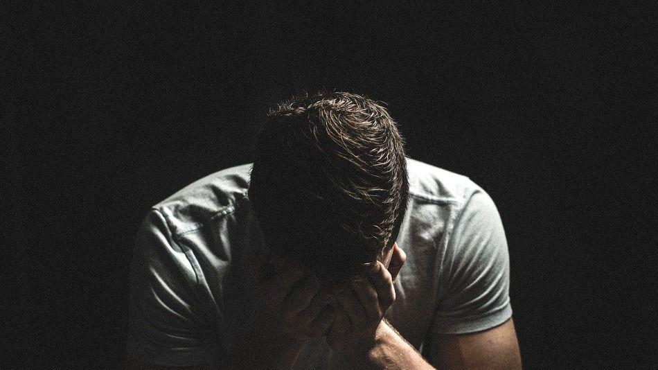Dos años de prisión por abusar sexualmente del hijo menor de un amigo
