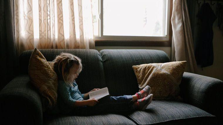 Una niña de 10 años recibe un disparo de perdigón en su propia casa