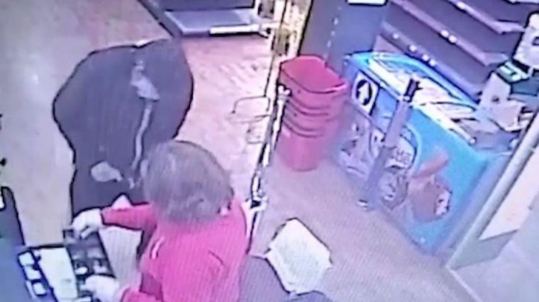 Detenidos por atracar a sus víctimas con un cuchillo jamonero