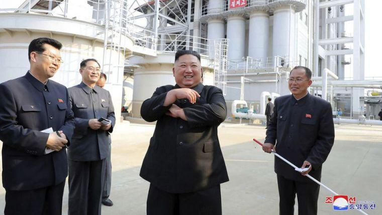 Kim Jong-un reaparece tras dársele prácticamente por muerto