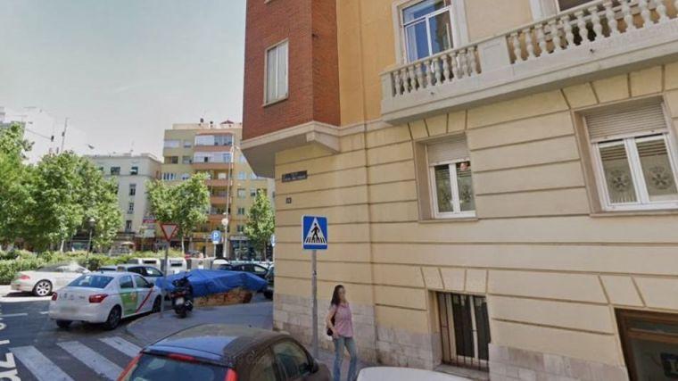 Hallan el cadáver de una persona con golpes en la cabeza en un parque infantil de Madrid