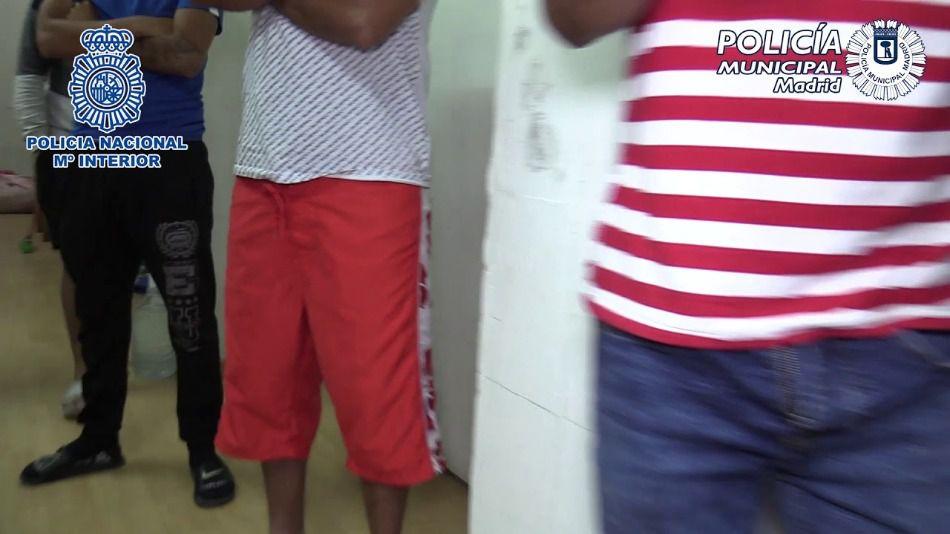 61 inmigrantes hacinados en un sótano y en varios trasteros en condiciones de insalubridad