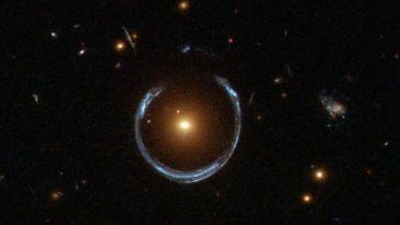 Un equipo de astrónomos hallan cuatro objetos misteriosos y muy brillantes en forma de anillo