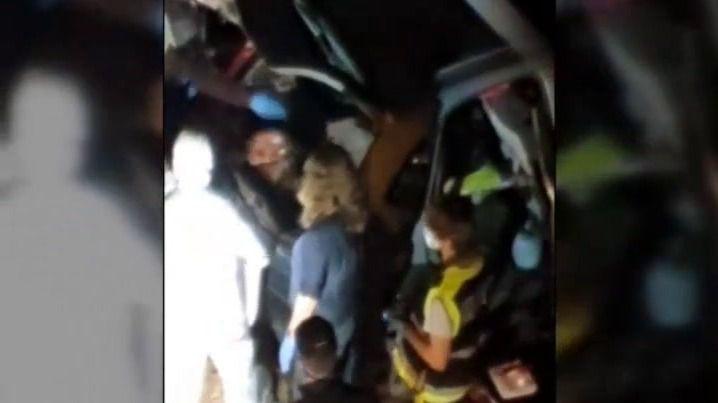 Hallan el cadáver de una mujer en el maletero de un coche