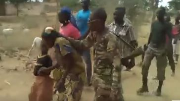 Ejecutaron a dos mujeres y dos niños y el vídeo corrió como la pólvora