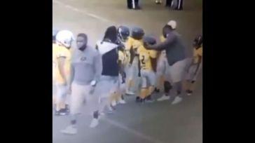 Un entrenador es sancionado y expulsado tras golpear a un menor