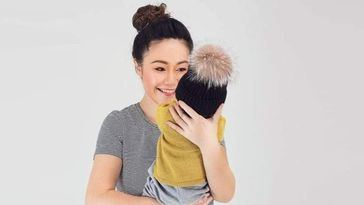 Multimillonaria e influencer se tira desde su ático con su bebé en brazos