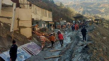 Un glaciar en India deja al menos 19 muertos y 200 desaparecidos entre escombros y lodo