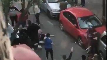 Reyerta mortal: Graban las cuchidadas desde su balcón