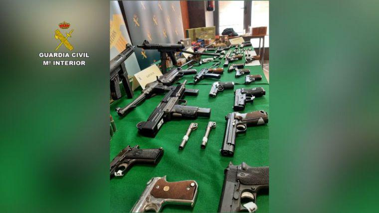 Desarticulada una trama ilegal con un auténtico arsenal de armas de guerra en España