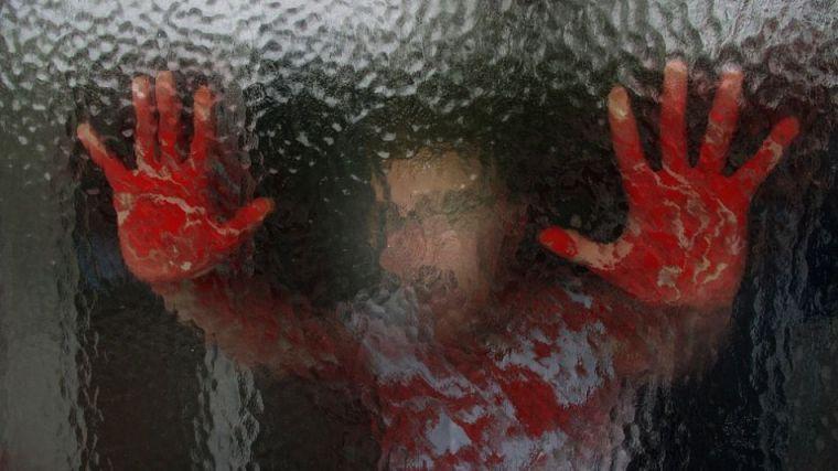 Degolló a su mujer e intentó suicidarse delante de sus hijos