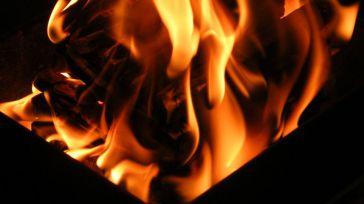 Incendió su casa con su hija menor durmiendo dentro
