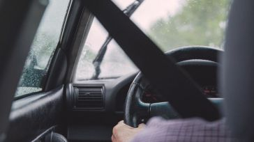 Un conductor sin carné mata a un motorista y se da a la fuga