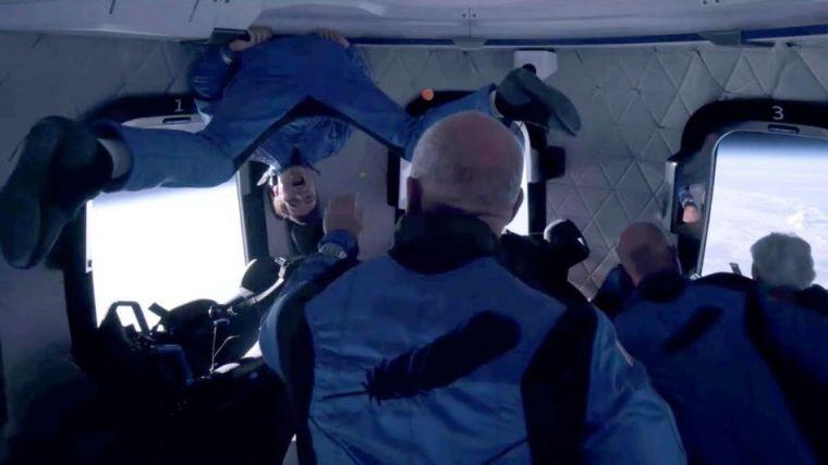 Bezos abre la veda al turismo espacial