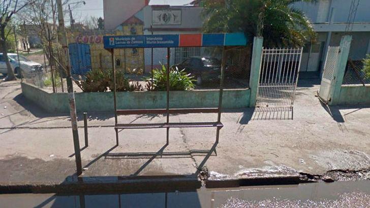 Asesinan a una embarazada de 15 años mientras esperaba el autobús