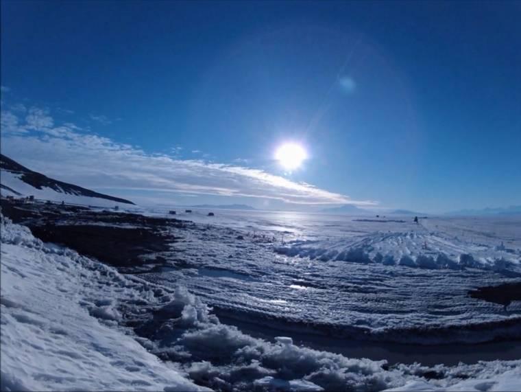 Los extraterrestres sobrevuelan la Antártida